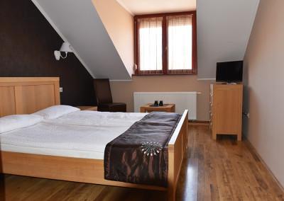 17 Emeleti szoba