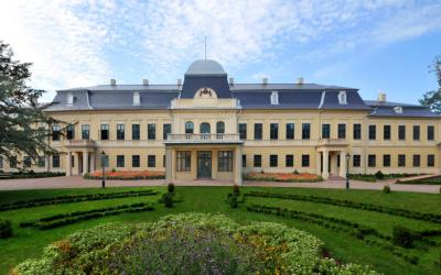 Már csak 1-2 hónap és megnyílik végre az Almássy-kastély